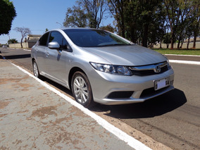 Honda Civic 1.8 Lxs Flex 4p - 2014 - Manual - Prata