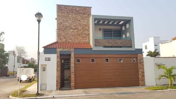 Moderna Casa Residencial En Venta