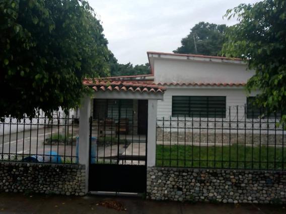 Quinta En Venta - 04144588440
