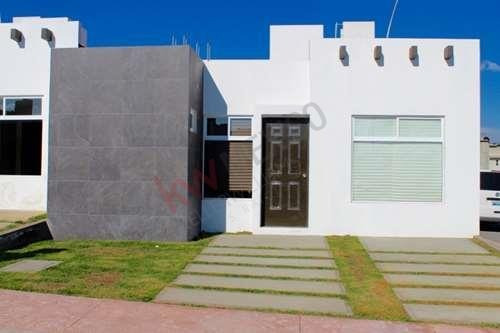 Se Vende Casa En Pachuca, Hgo. Fraccionamiento Privado Jardines De La Hacienda, Casa De 1 Planta, Excelente Ubicación, Control De Acceso Las 24 Hrs