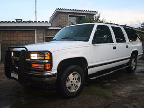 Chevrolet Silverado Suburban 4x4 Americana