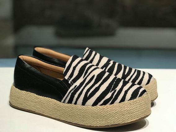 Tênis Slip On Com Estampa De Zebra Sua Cia