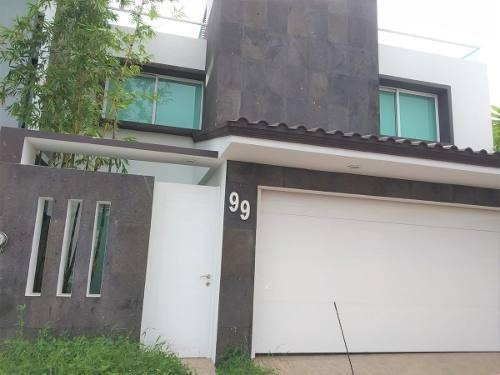 Casa En Venta/renta De 5 Recámaras Y Roof Garden En Lomas Residencial