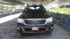 Toyota Hilux 4p Doble Cabina Sr A/a Ee 2012