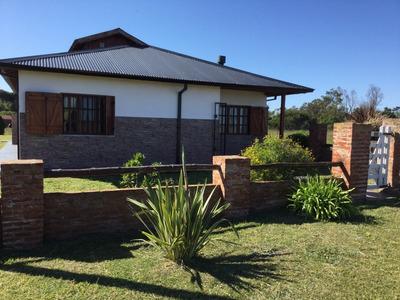 Casa De 5 Ambientes En Miramar Villa Golf