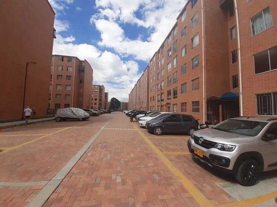 Apartamento En Venta La Finca Madrid