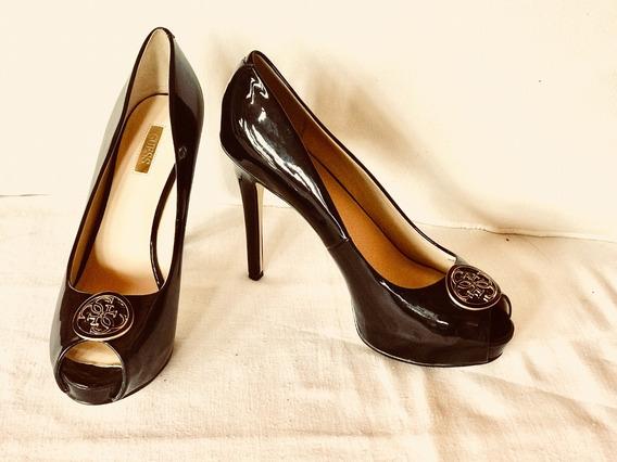 Zapatos Guess. En Perfecto Estado.