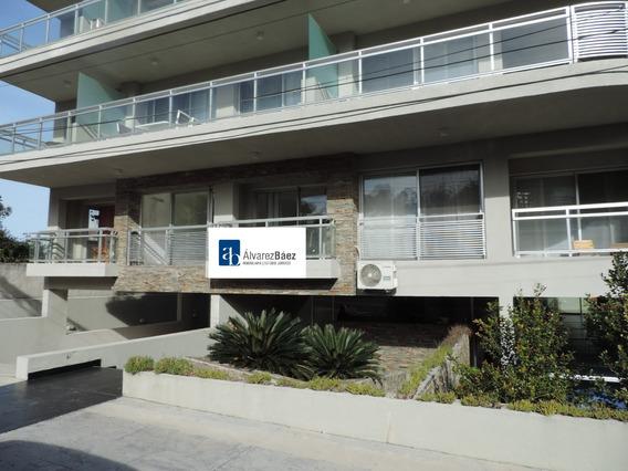 Apartamento- Rambla Costanera, Dos Dormitorios Y Dos Baños