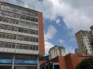 Oficina En Alquiler Lomas Del Este Valencia 20-12496 Valgo