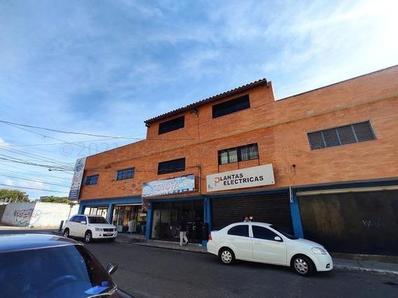 Edificio En Venta Barquisimeto 21-12379 Anais G