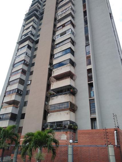 Maison Vende Apto Andres Bello 04243162405