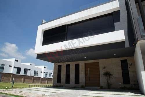 Casa Nueva En Venta En Parque Zacatecas, Lomas De Angelópolis