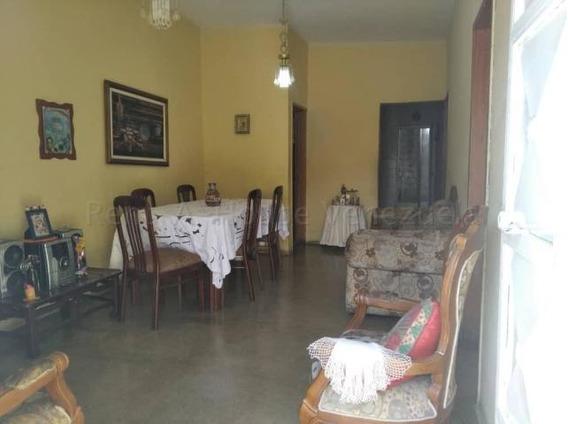 Casa En Venta Barquisimeto Oeste 20-8621 Mf
