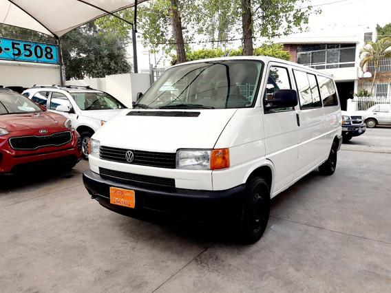 Volkswagen Eurovan Blanca 2004, Buenas Condiciones