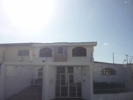 Casa En Venta En Zona Este De Barquisimeto Rahco