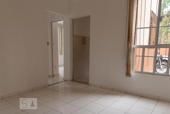 Apartamento Térreo Com 2 Dormitórios E 1 Garagem - Id: 892984375 - 284375