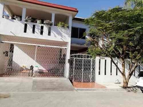 Casa En Venta En Monterrey Nuevo Leon Fraccionamiento Las Torres 3 Se