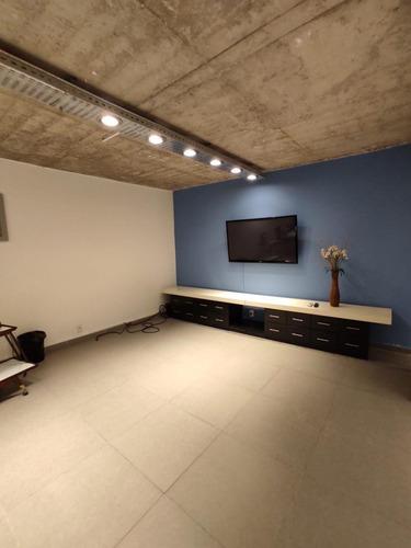Alquiler De Oficina , Ubicada A Metros De La Zona Wtc .