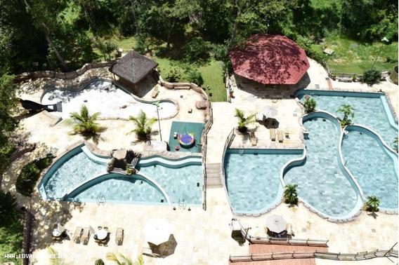 Apartamento 1 Quarto Para Temporada Em Caldas Novas, Thermas Do Bosque Flat Service, 1 Dormitório, 1 Banheiro, 1 Vaga - 093
