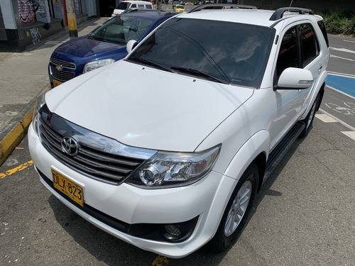 Toyota Fortuner A/t 2012 4x2 Impecable!!