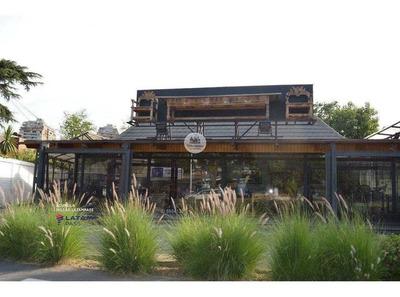 Casa Comercial - Av. Iv Centenario - Rotonda Atenas - Las Condes