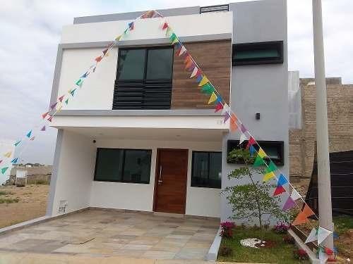 Hermosa Casa En Venta En Capital Norte