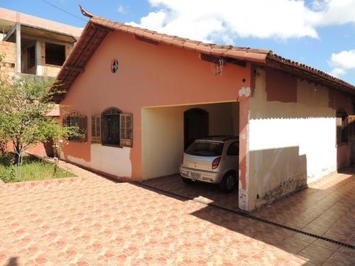 Casa Com 5 Quartos Para Comprar No Santa Helena (barreiro) Em Belo Horizonte/mg - 682
