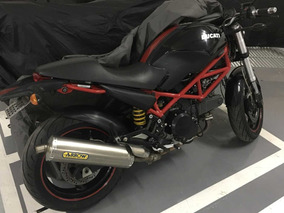 Moto Ducati Monster 695 Naked