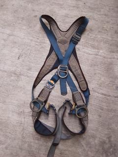 Arnés De Seguridad Para Apinismo Marca Sala Americano Usado