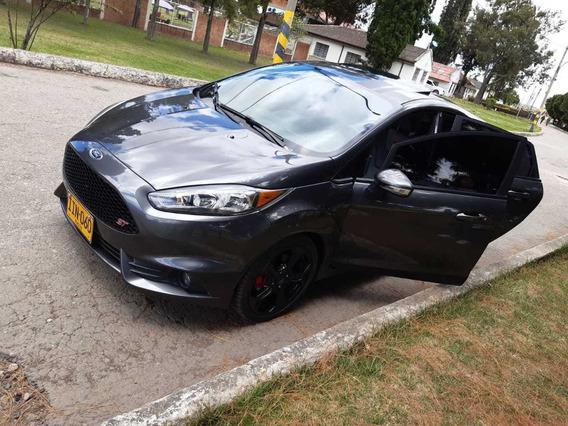 Vendo Hermoso Ford New Fiesta, St, Turbo, Mod. 2018,