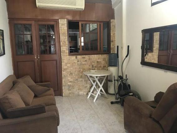Casa En Venta Zona Este Barquisimeto 20-7621 Jg