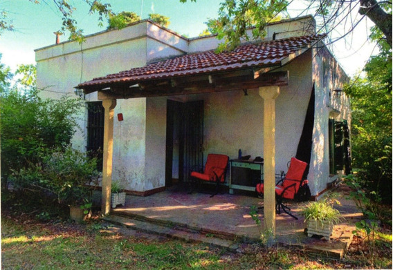 Casa Con Amplio Parque. B. Los Naranjos, Magdalena