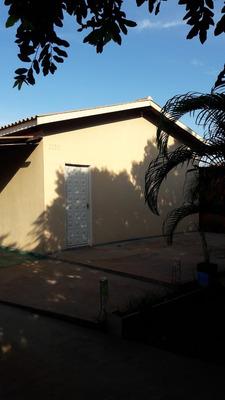 Casa 4 E 2 Banheiros Forrada