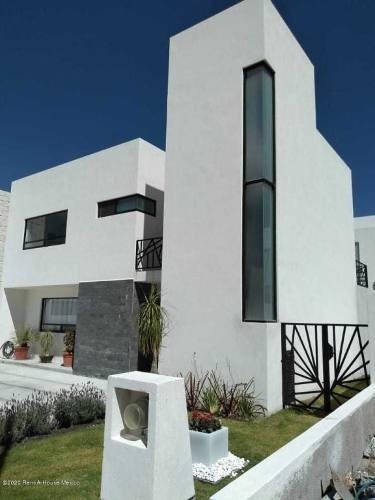 Casa En Venta En Cimatario, Queretaro, Rah-mx-20-882