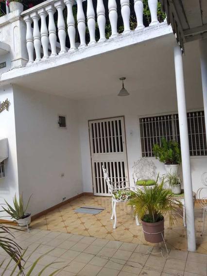 Casa En La Barraca En Maracay