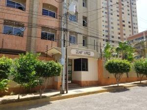 Alquilo Apartamento Las Mercedes 20-22809 Sumy Hernandez