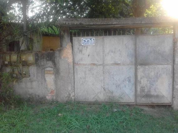 Quintal Com 3 Casas .