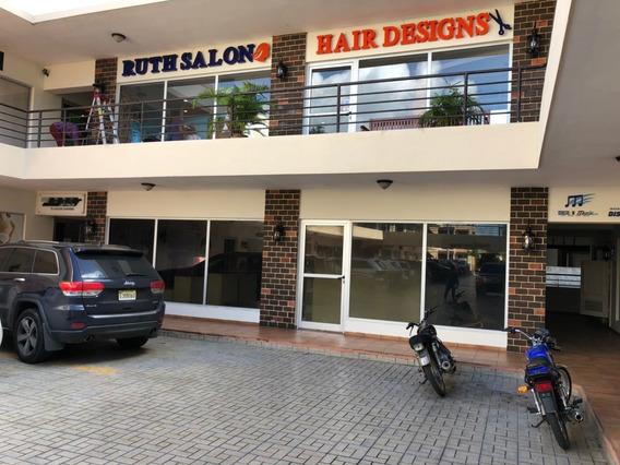 Alquilo Local En La Mejor Plaza Comercial De La Zona Orienta