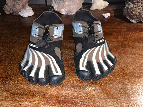 Tenís Vibram Five Fingers (7.5 Mex)