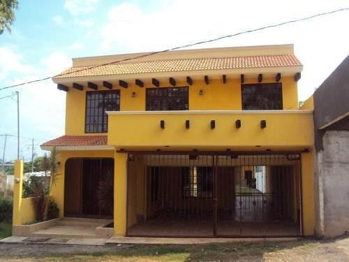 Casa Sola En Venta Parrilla 1ra Secc