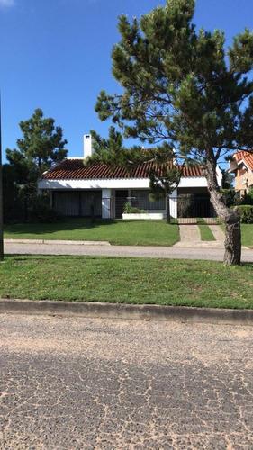 Sitio Vende Casa En Parada 16 A 200 M De Playa Mansa