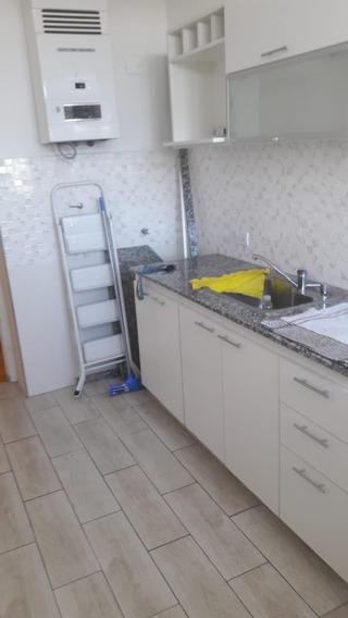 En Ciudad Jardin A La Venta Departamento De 2 Ambientes En Edificio Torre Cocina Y Baño A Nuevo F: 7960