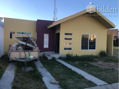 Casa Sola En Venta Fracc. Residencial Villa Dorada Durango