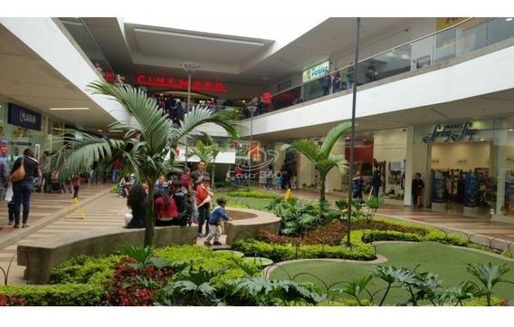 Se Arrienda Local En Centro Comercial Reconocido