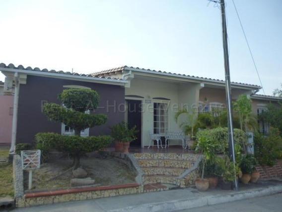 Casa En Venta Cabudare 20-8251 Zegm