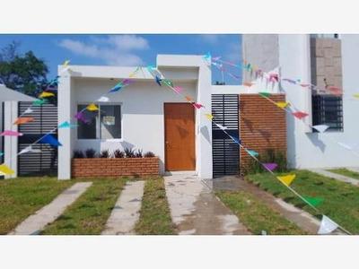 Casa Sola En Venta A Los 10 Minutos Del Centro De Colima