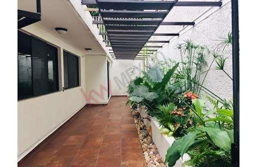 Casa En Venta En Fraccionamiento Malibú De Una Planta, Con Estudio, Cuarto De Televisión Y Jaccuzzi.