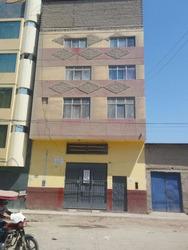 Hotel- 50 Habitaciones, 2 Con Local Comercial- Venta