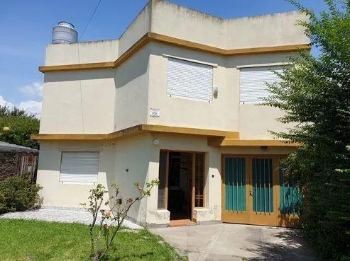 Casa Venta 4 Dormitorios , 2 Baños Y Lote 10 X 30 Mts -apta Banco - La Plata