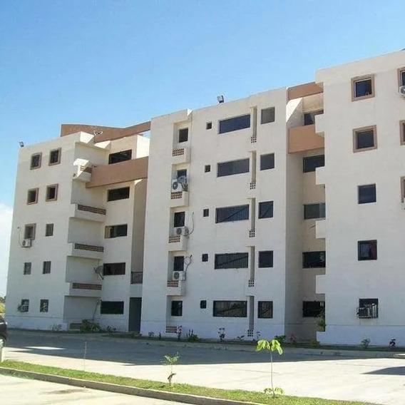 Elisha Dcesare Vende Apartamento En Res. Pomarosa Foa-1090